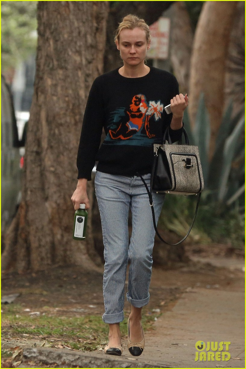 diane kruger wears no makeup looks fresh faced for errand run 05