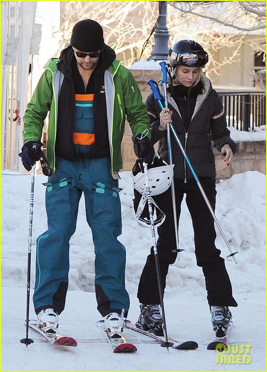 diane kruger joshua jackson go skiing at sundance 05