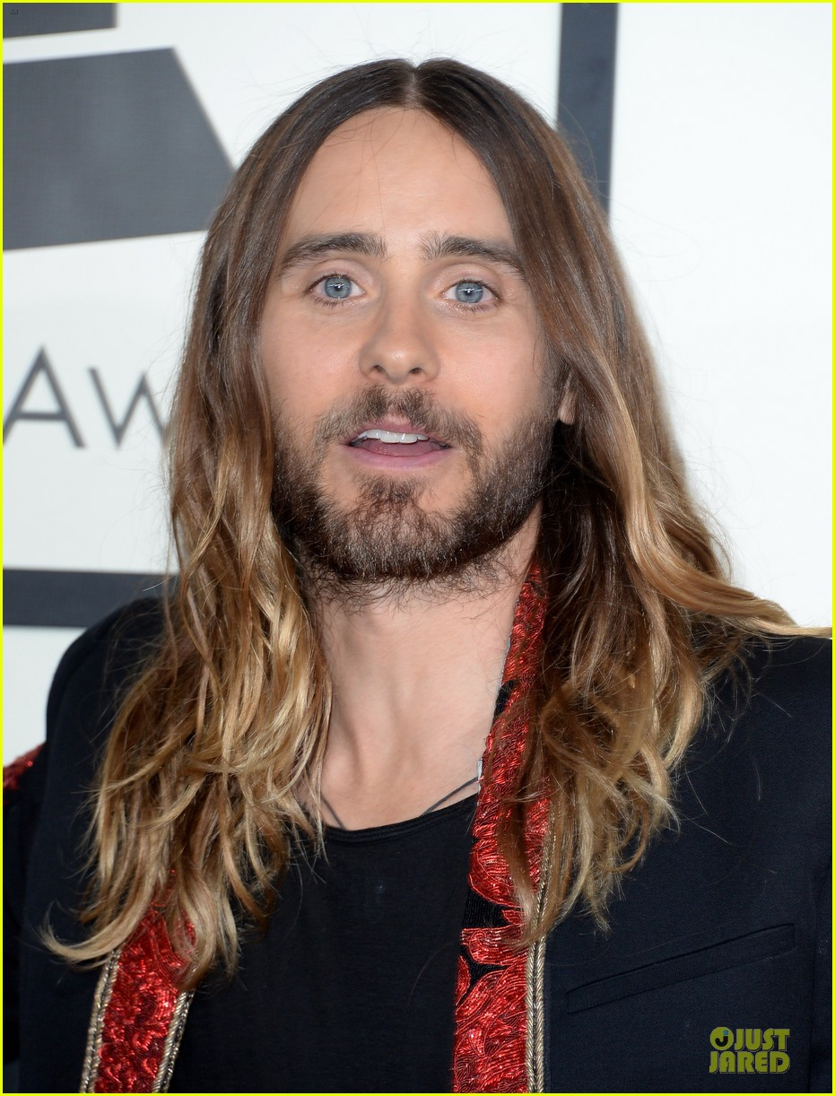 jared leto 30 seconds to mars grammys 2014 red carpet 04