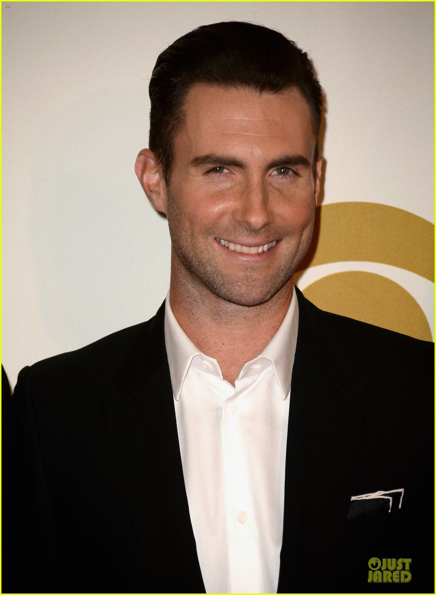 adam levine behati prinsloo backstage at beatles tribute 043042562