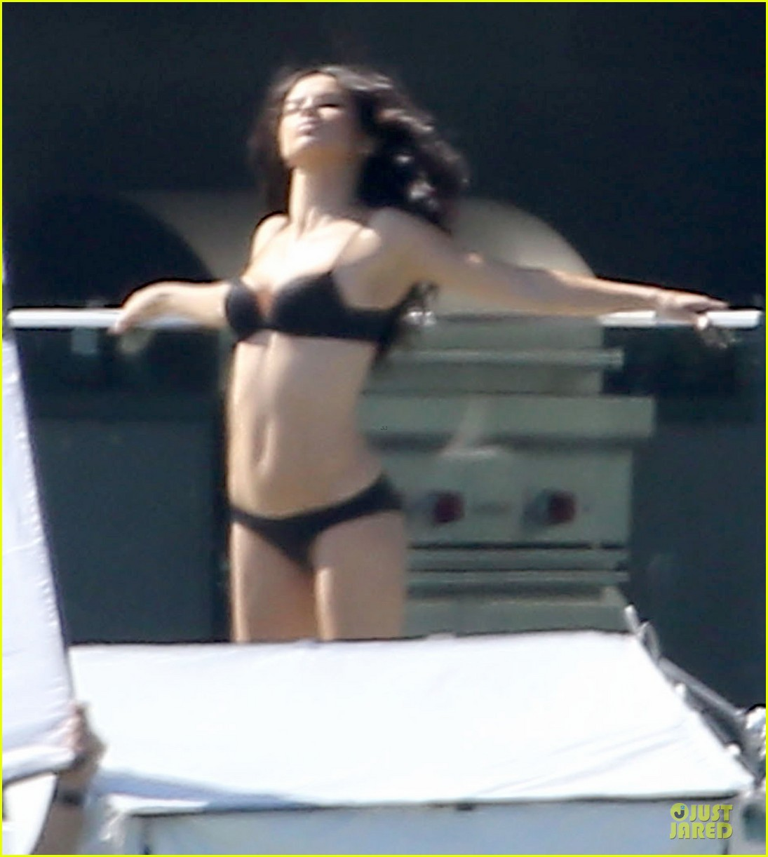 adriana lima rocks black bikini for victorias secret shoot 103034485