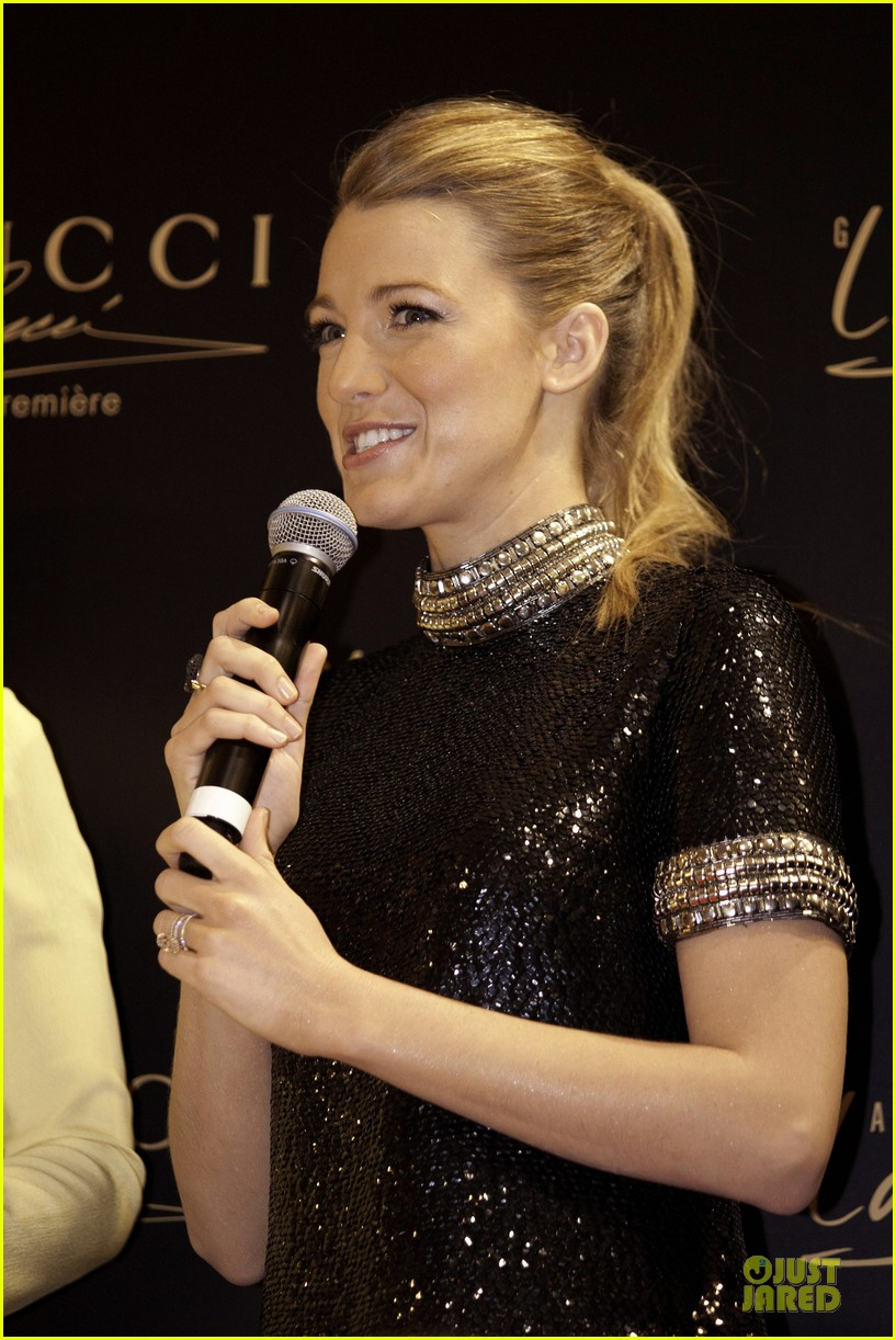 blake lively gucci premiere photo call 013022128