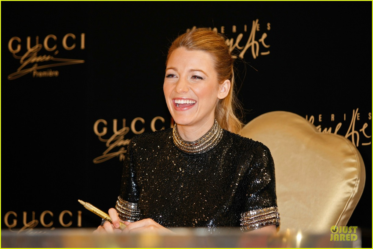 blake lively gucci premiere photo call 04