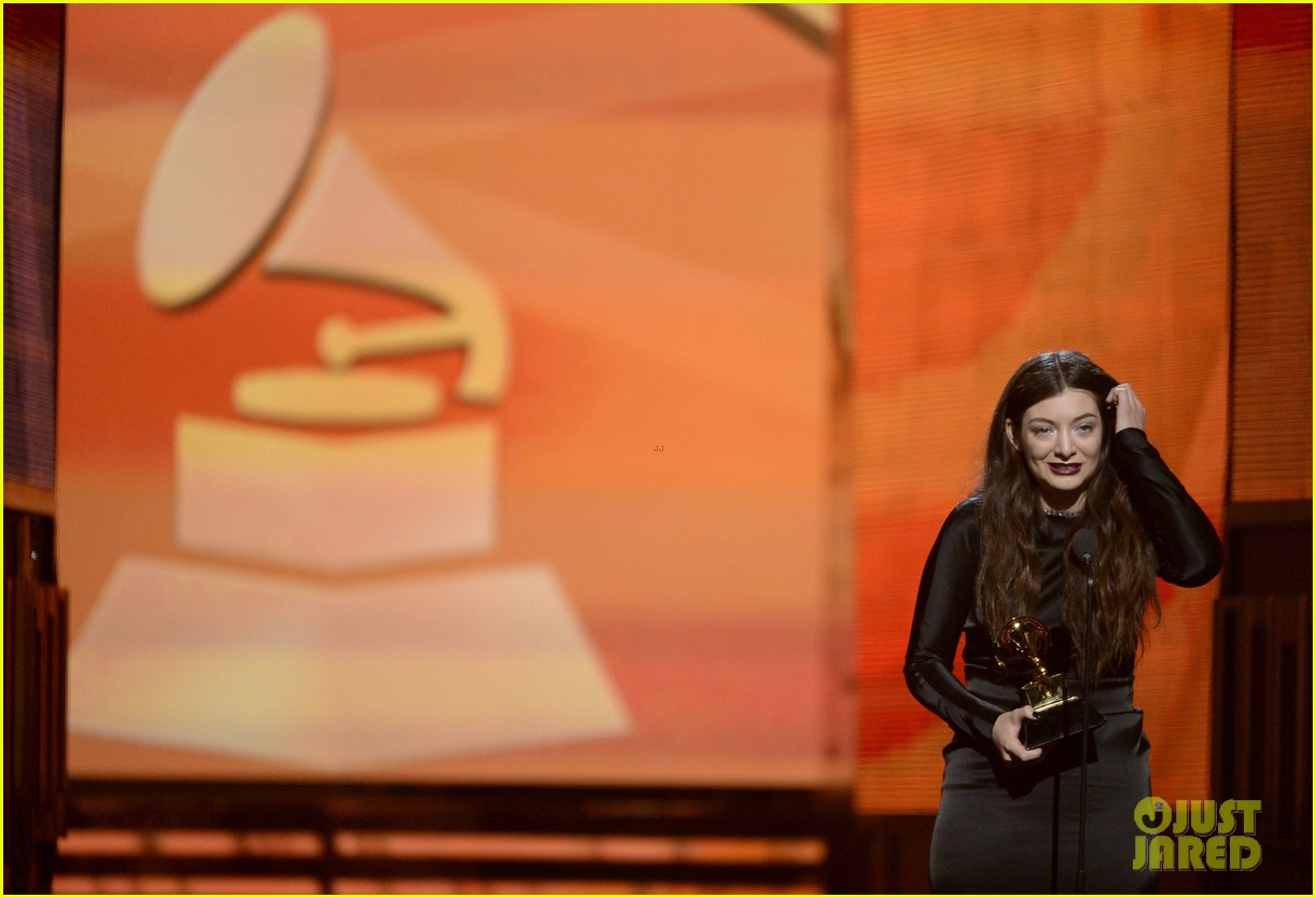 lorde meets up with taylor swift after her grammys 2014 win 093041455