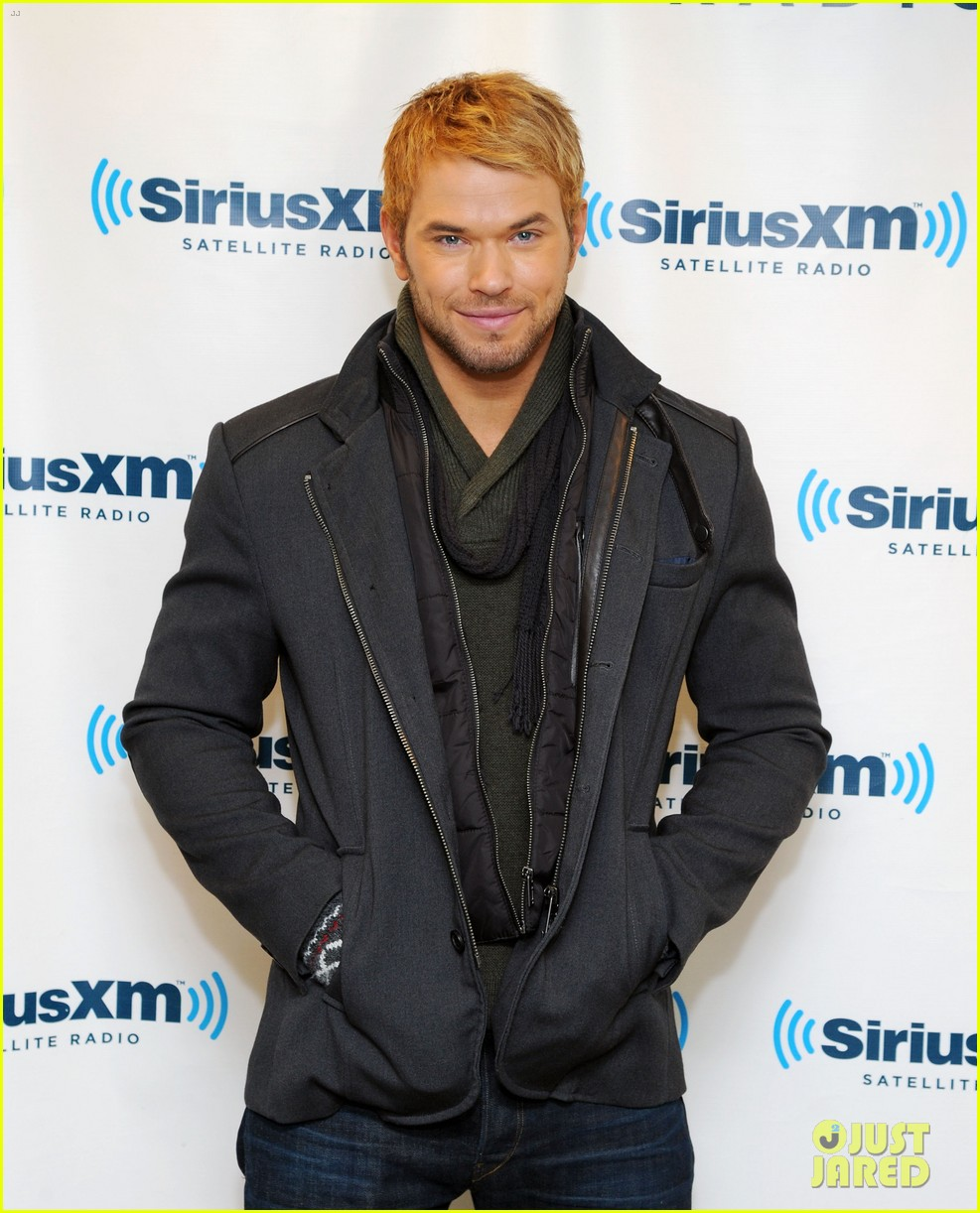 kellan lutz slams miley cyrus dating rumors theyre hilarious 053023785