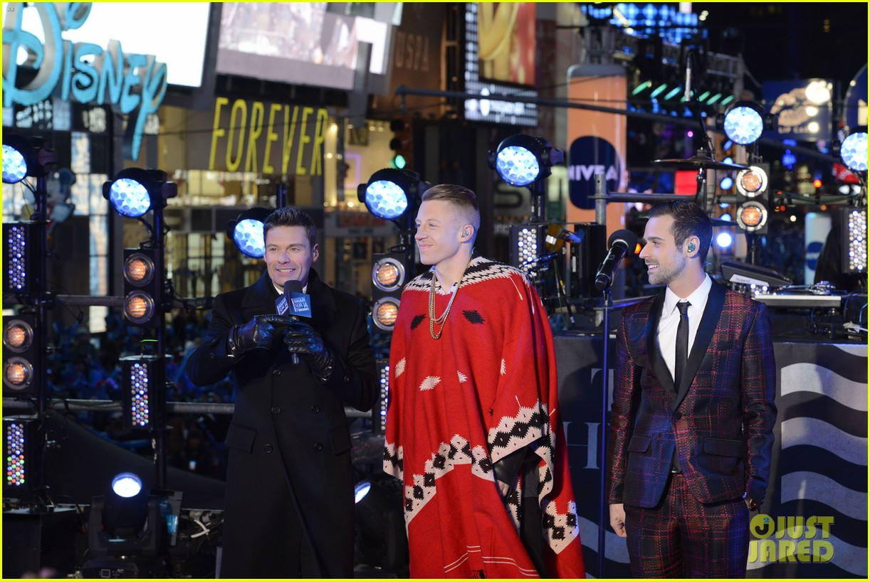 macklemore ryan lewis new years eve 2014 performance watch 113020942