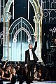 macklemore ryan lewis same love at grammys 2014 video 11