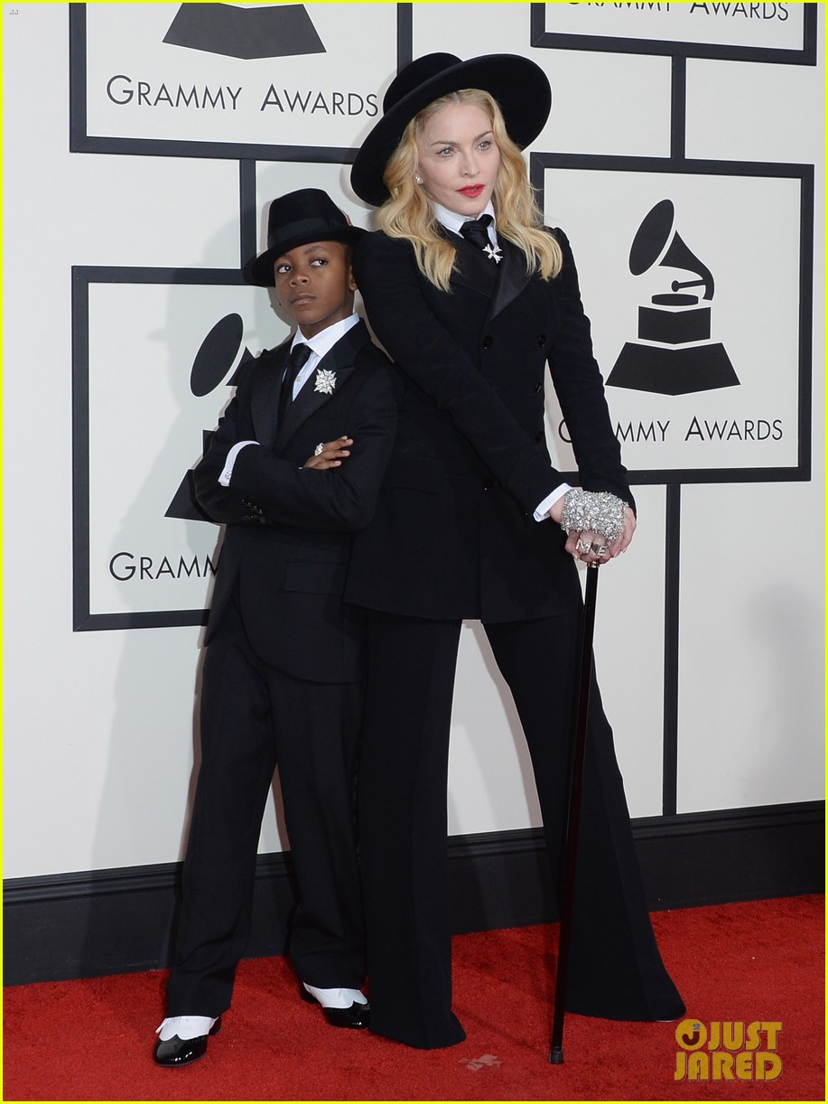 madonna grammys 2014 red carpet with son david 05