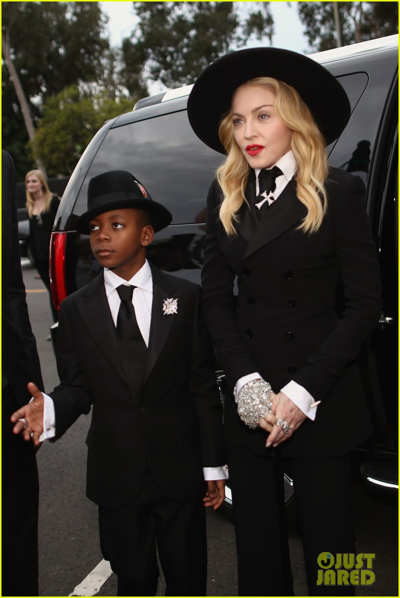 madonna grammys 2014 red carpet with son david 07