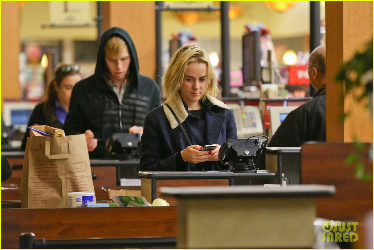 jena malone so excited to share the wait with you 26