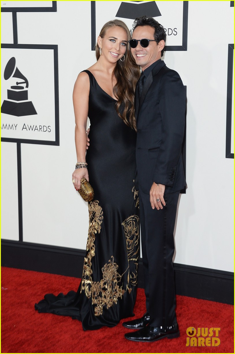 marc anthony chloe green grammys 2014 red carpet 05