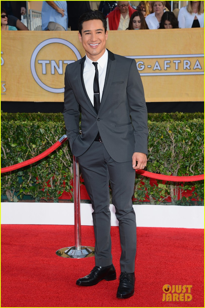 mario lopez nancy odell sag awards 2014 red carpet 17