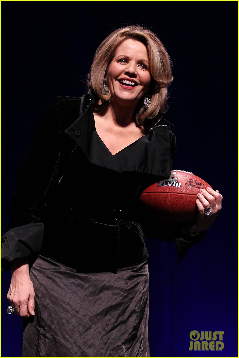 bruno mars renee fleming super bowl 2014 press conference 083044369