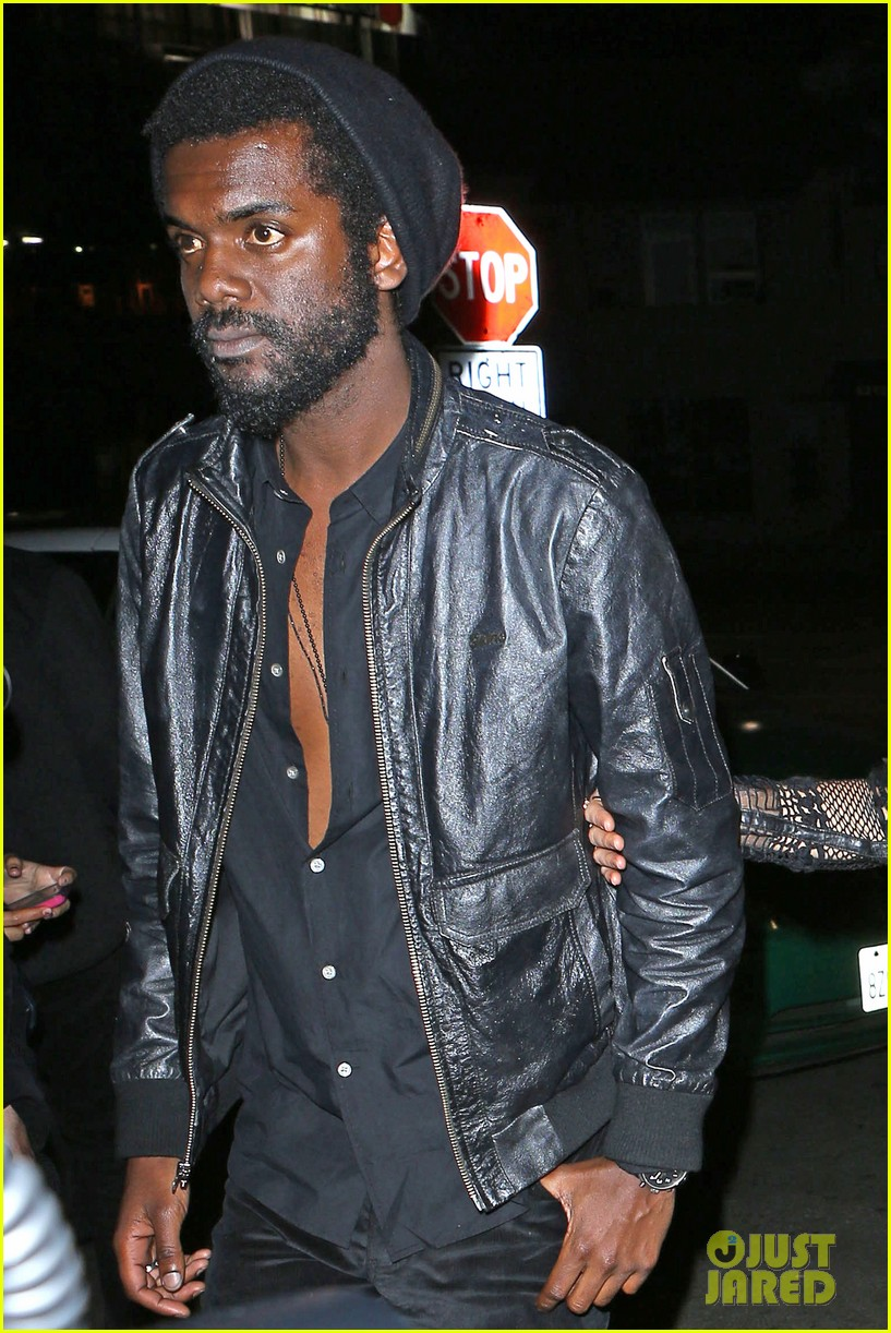 chris martin grammys 2014 after party with gary clark jr 073041966