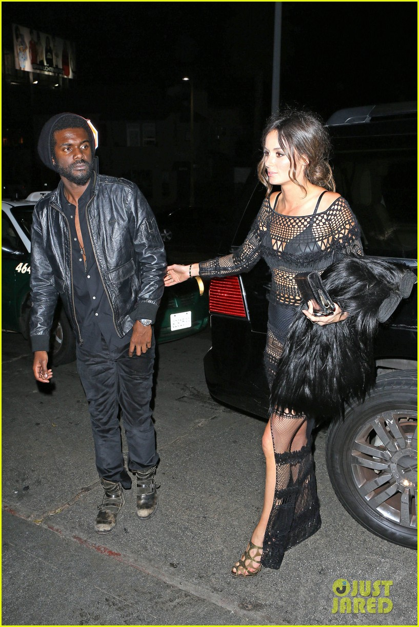 chris martin grammys 2014 after party with gary clark jr 143041973