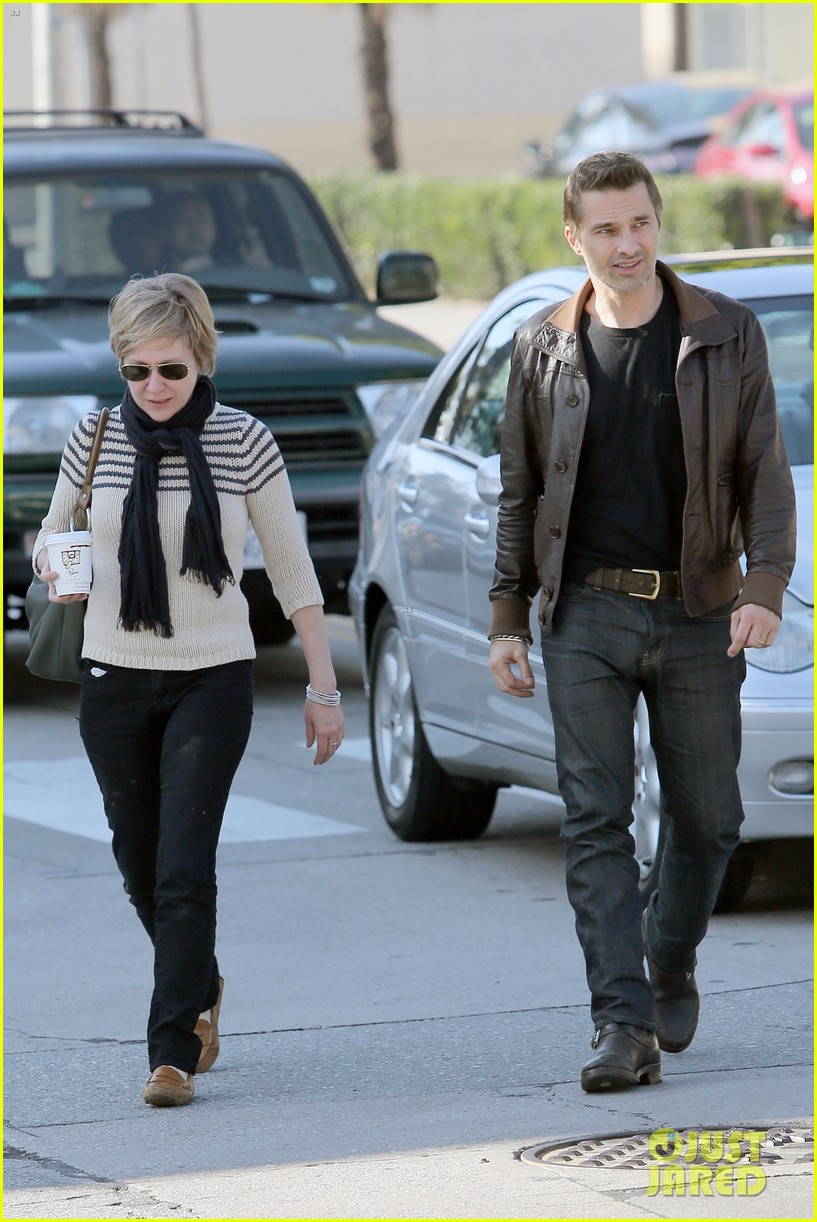 olivier martinez new years day with mother rosemarie 04