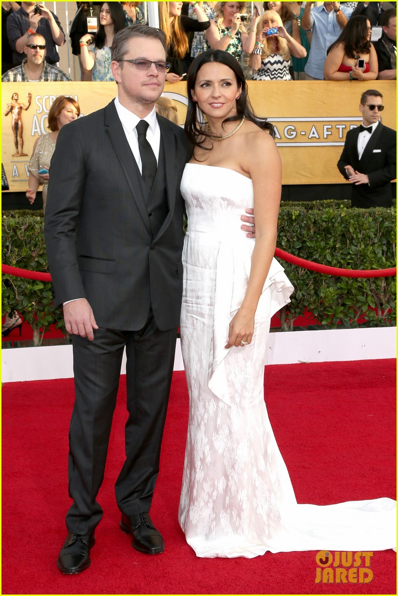 matt damon sag awards 2014 red carpet 05