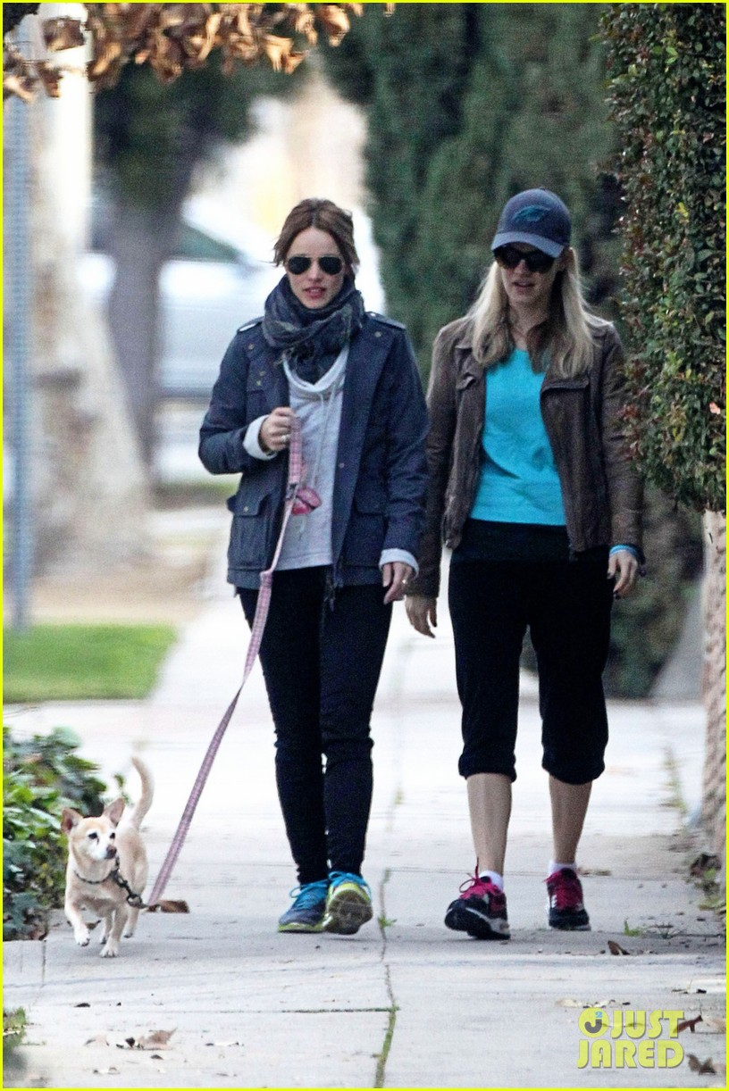 rachel mcadams hangs with her sister after sundance 043038460