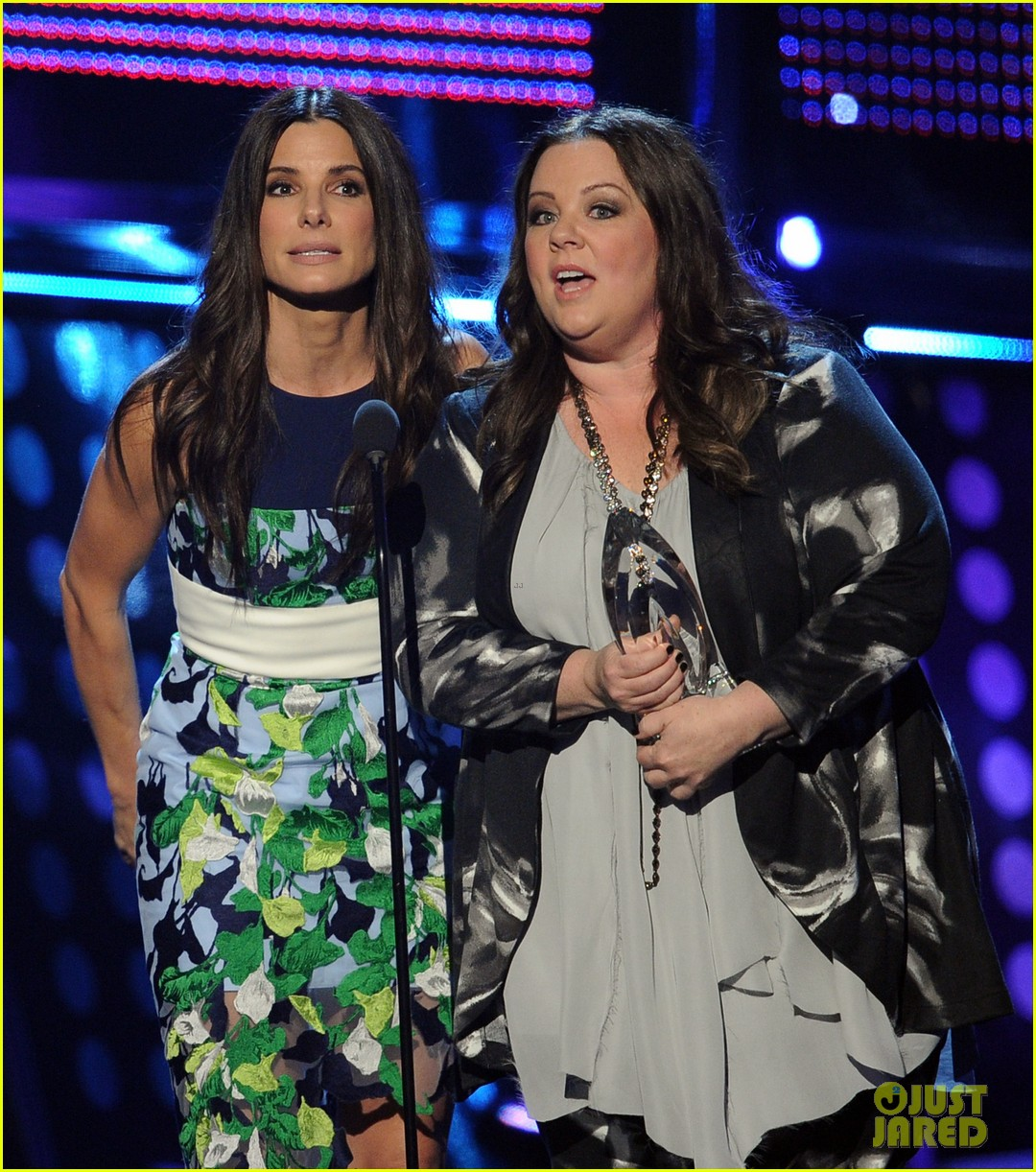 melissa mccarthy sandra bullock peoples choice awards 2014 083025779