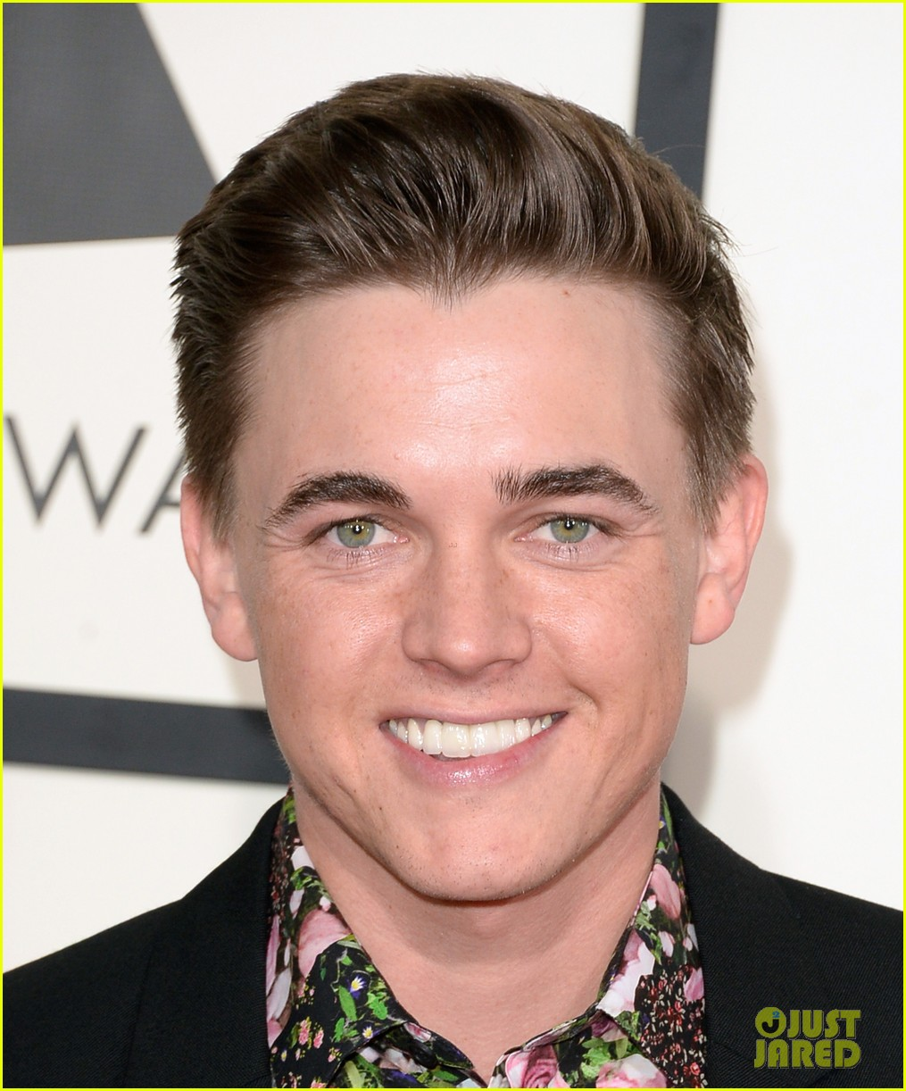 Jesse McCartney - Grammys 2014 Red Carpet - jesse-mccartney-grammys-2014-red-carpet-04
