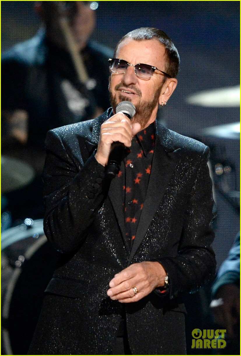 paul mccartney ringo starr reunite at grammys 2014 video 06