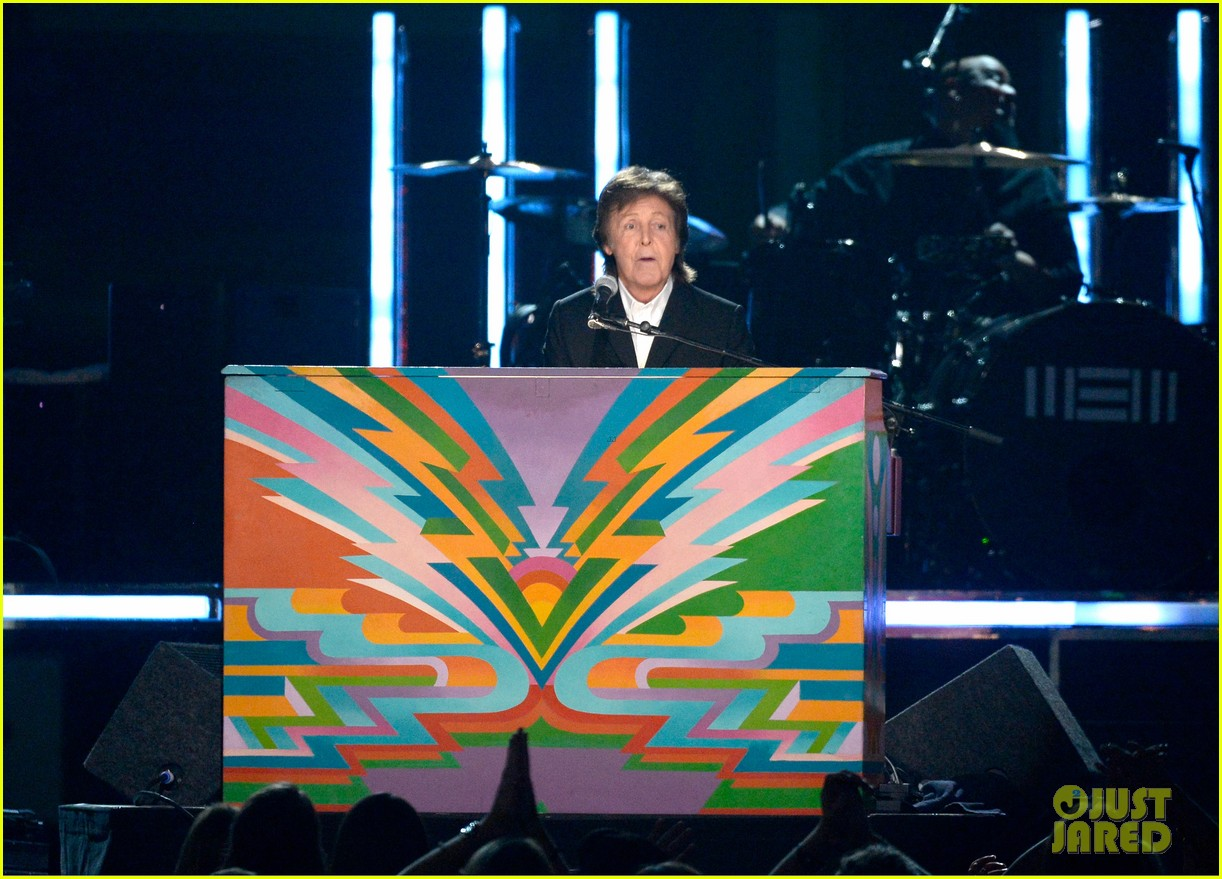 paul mccartney ringo starr reunite at grammys 2014 video 133041487