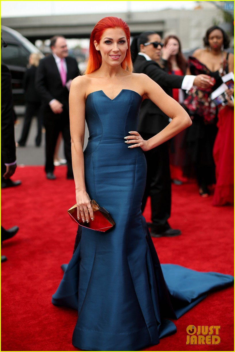 bonnie mckee grammys 2014 red carpet 043040944