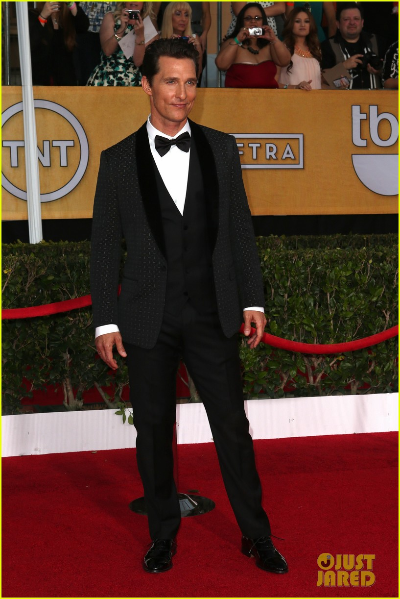 matthew mcconaughey sag awards 2014 red carpet camila alves 043034770