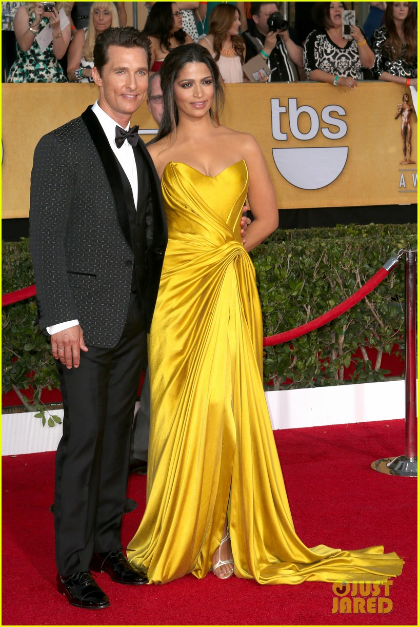 matthew mcconaughey sag awards 2014 red carpet camila alves 053034771