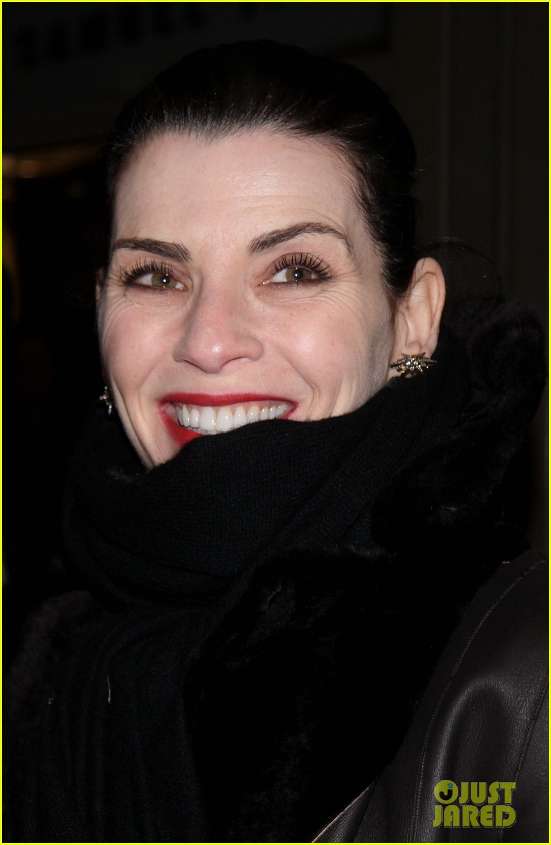 julianna margulies supports debra messings opening night 043039077