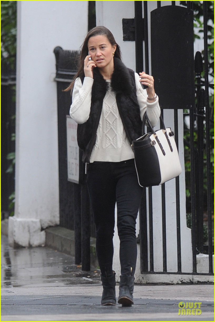 pippa middleton steps out after engagement news 103024709