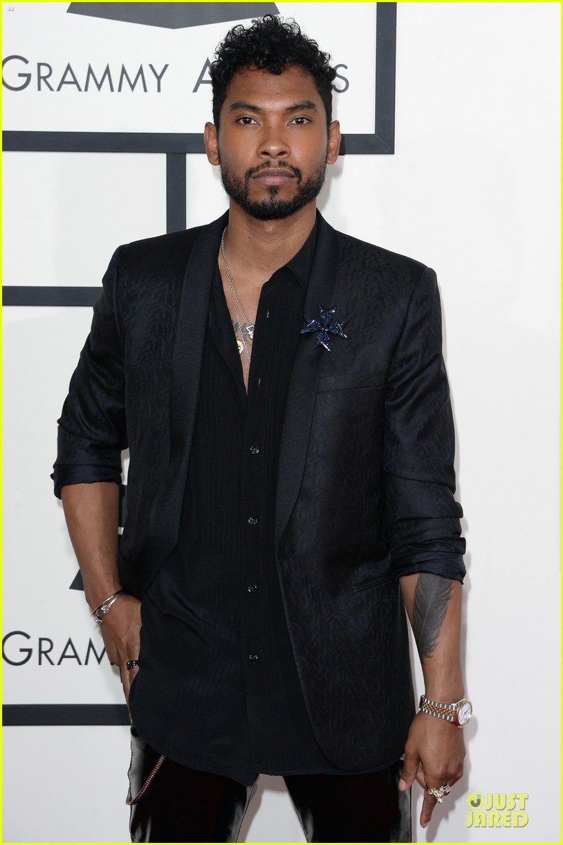 miguel grammys 2014 red carpet 033041000
