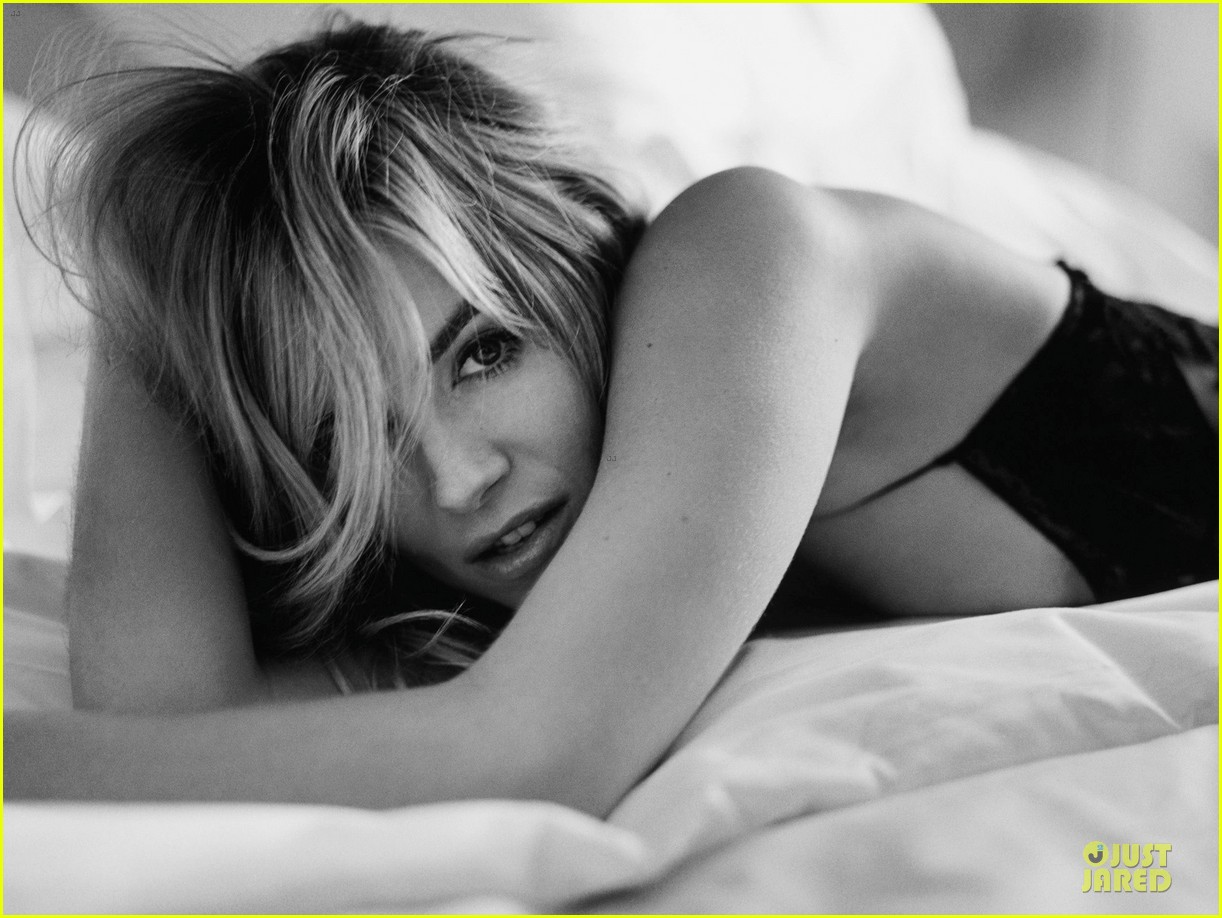 sienna miller talks jude law relationship in esquire uk 013043007