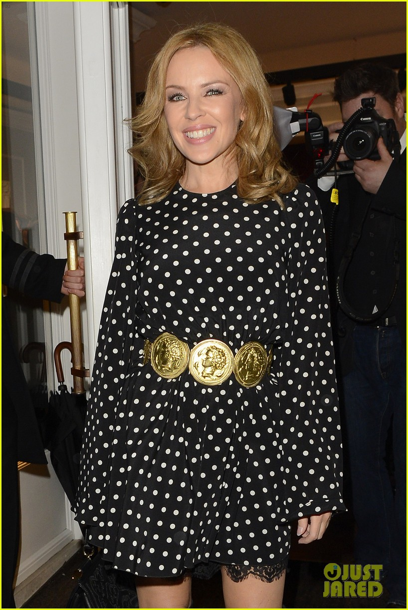 kylie minogue thom evans dolce gabbana london collections 11