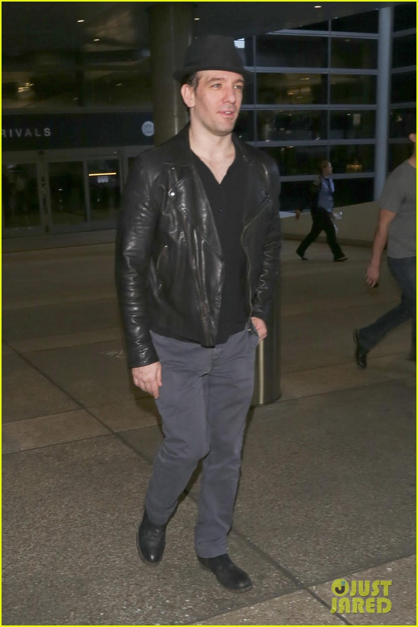 matthew morrison renee puente lax landing with jc chasez 05