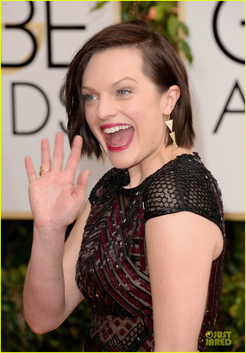 elisabeth moss golden globes 2014 red carpet 04