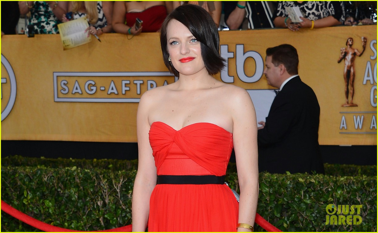 elisabeth moss sag awards 2014 red carpet 01