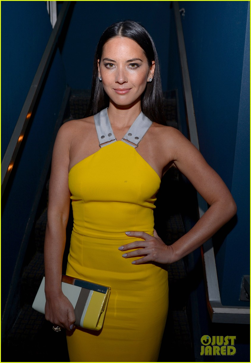 olivia munn presented variety award by aaron sorkin 16