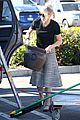 naomi watts landscaping lady in culver city 15
