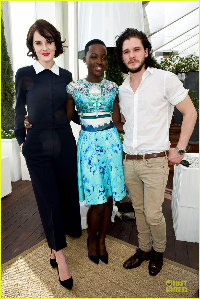 lupita nyongo dujour cover party with michelle dockery 10