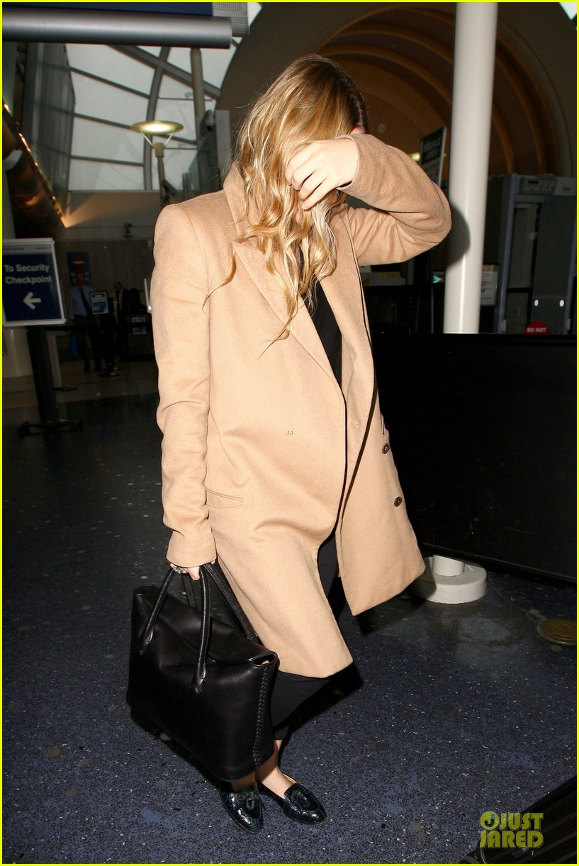 ashley olsen ends the week with lax touch down 063039584