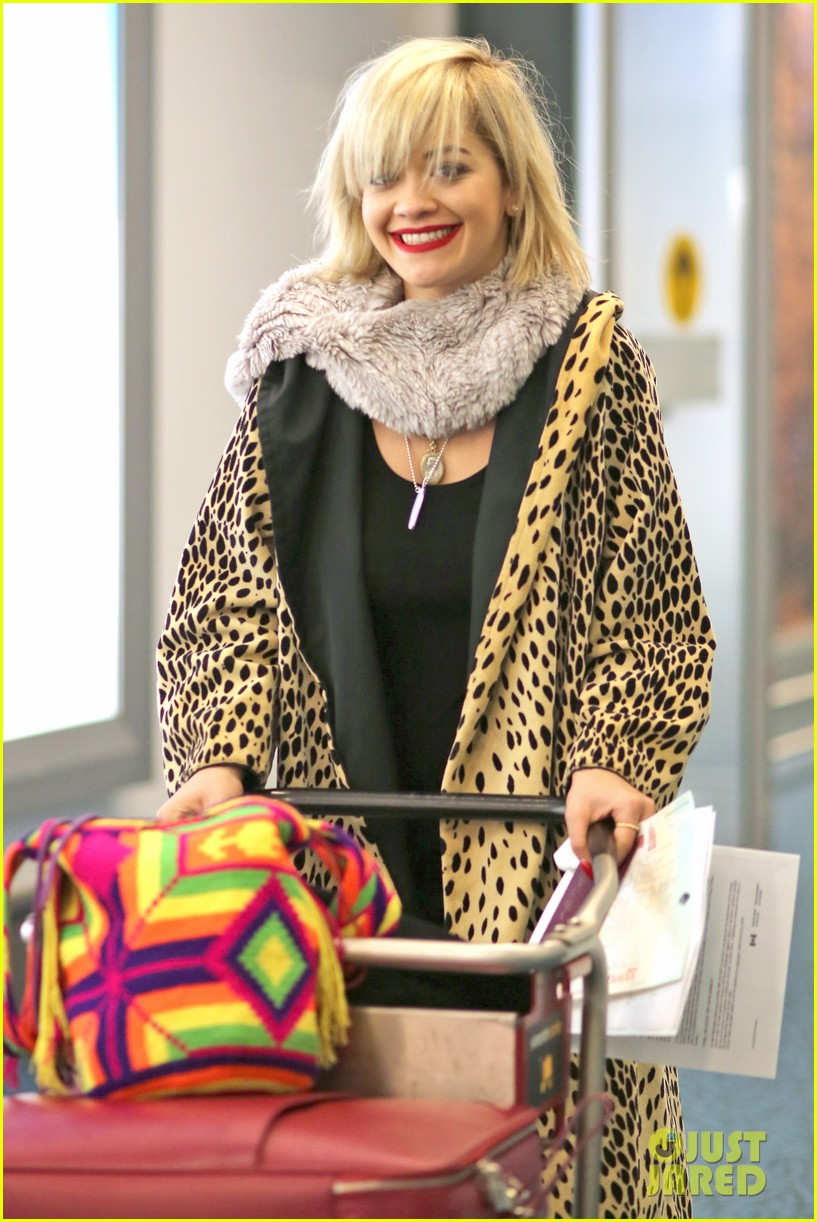 rita ora flies to vanouver to begin fifty shades of grey 03