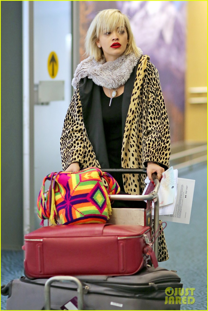 rita ora flies to vanouver to begin fifty shades of grey 093031861