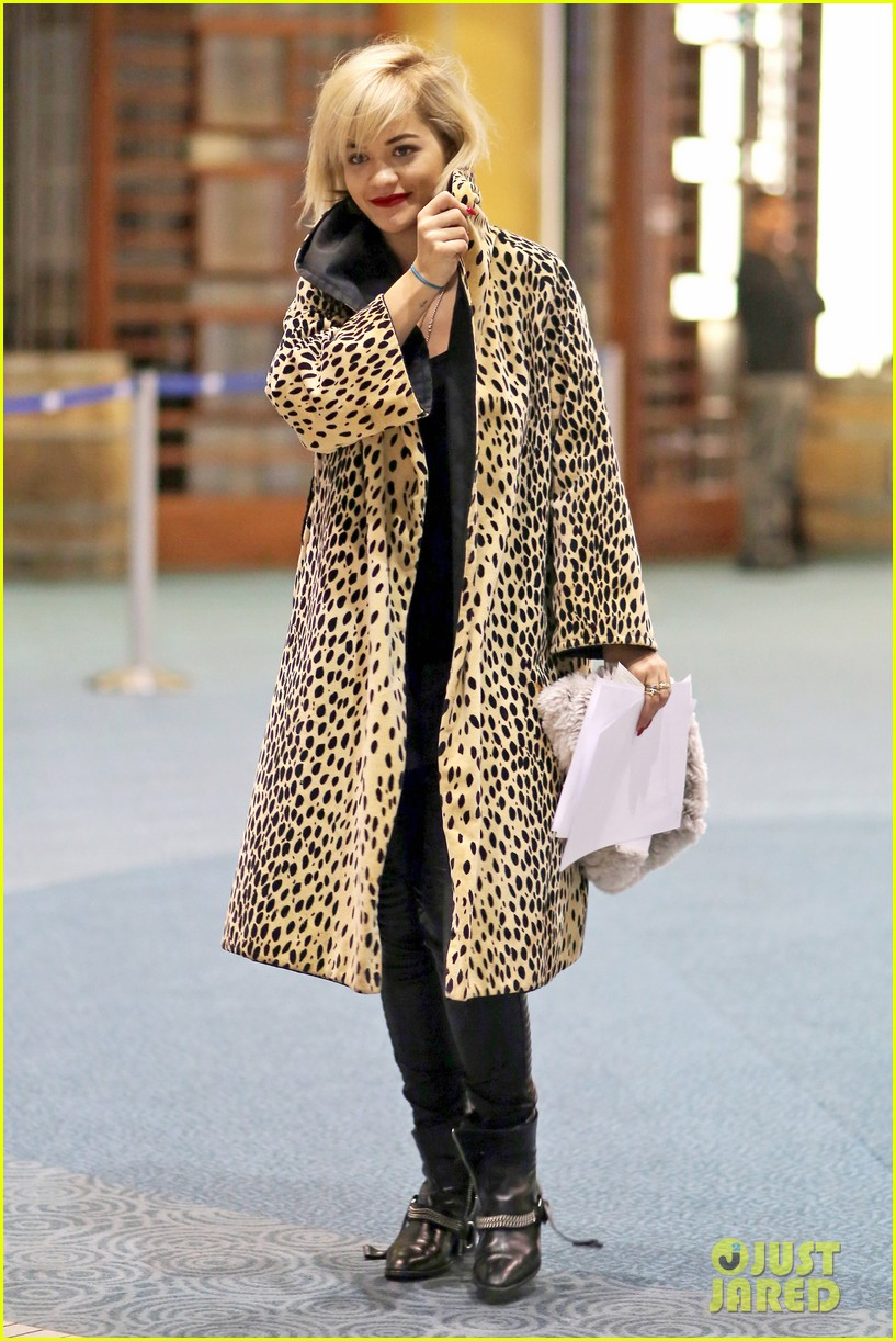 rita ora flies to vanouver to begin fifty shades of grey 123031864