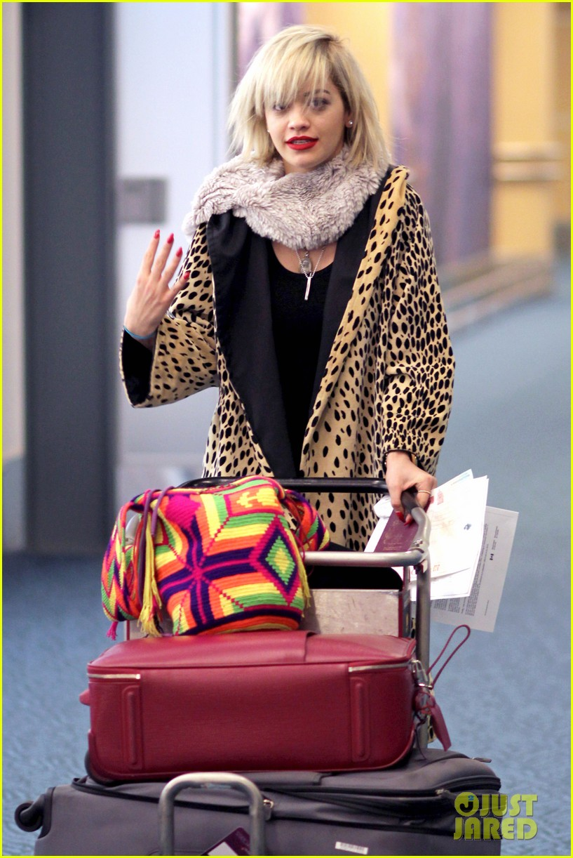 rita ora flies to vanouver to begin fifty shades of grey 16