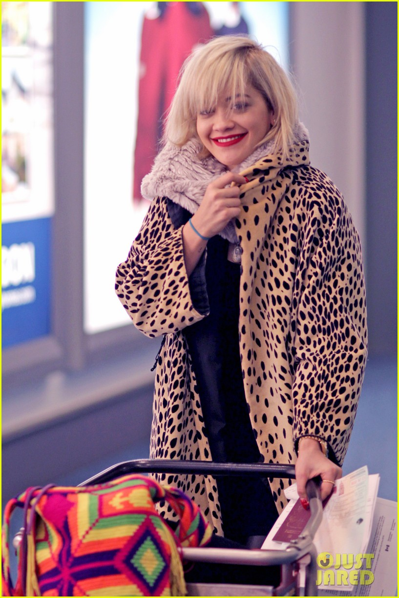 rita ora flies to vanouver to begin fifty shades of grey 17
