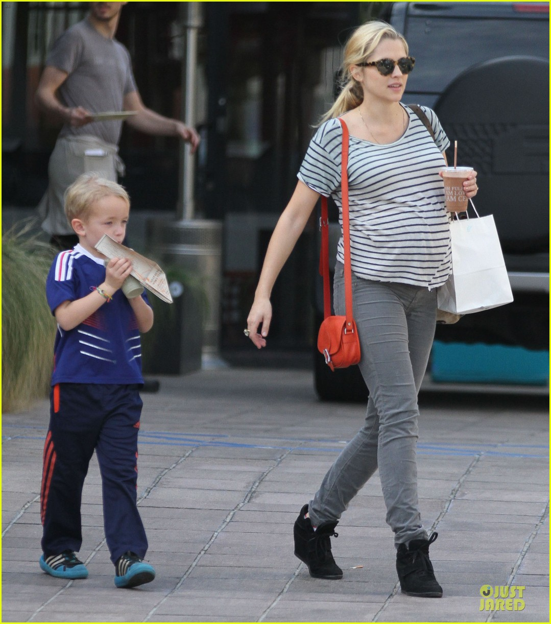teresa palmer baby bumpin stripes for cafe gratitude lunch 133040128