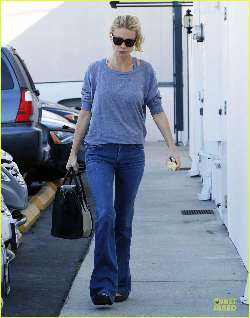 gwyneth paltrow medical building visit after the golden globes 08