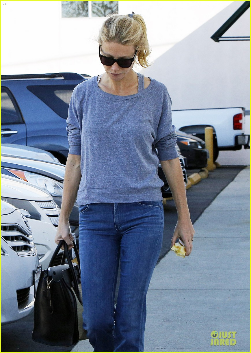 gwyneth paltrow medical building visit after the golden globes 10