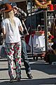 aaron paul wife lauren kiss cuddle at the flea market 10